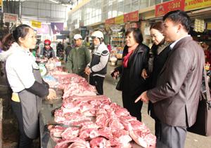 Hộ kinh doanh thực phẩm tại chợ Thái Bình (TPHB) đã thực hiện tương đối đầy đủ các quy định về VSATTP.