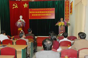 Đồng chí Nguyễn Văn Chương, Phó Chủ tịch UBND tỉnh, phát biểu chỉ đạo hội nghị.
