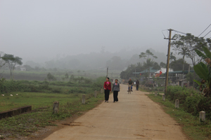 Hệ thống đường GTNT xã Địch Giáo (Tân Lạc) được kiên cố đáp ứng nhu cầu đi lại và giao lưu hàng hoá.