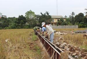 Huyện Tân Lạc: Nâng cao vai trò giám sát của nhân dân trong thực hiện quy chế dân chủ