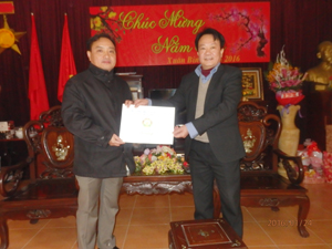 Lãnh đạo Sở LĐ-TB&XH tặng quà và chúc Tết tại Trung tâm điều dưỡng thương, bệnh nặng Nho Quan (Ninh Bình).