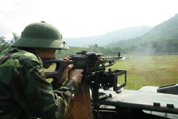 Cán bộ chiến sĩ Đại đội thiết giáp - Bộ CHQS tỉnh luôn đảm bảo đáp ứng yêu cầu SSCĐ trong bất kỳ tình huống nào xảy ra.