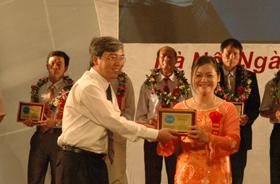 2 doanh nghiệp tỉnh ta đạt giải Thương hiệu nổi tiếng và An toàn vì sức khoẻ cộng đồng.