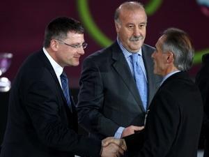 Huấn luyện viên Vicente del Bosque của đội tuyển Tây Ban Nha có mặt tại buổi lễ bốc thăm.