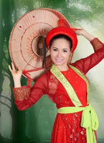 Ca sĩ Trang Nhung.
