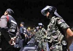 Cảnh sát và quân đội Thái Lan được đặt trong tình trạng sẵn sàng cả ngày lẫn đêm
