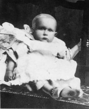 Kỹ thuật phân tích ADN ngày nay giúp xác định chính xác em bé vô danh trên tàu Titanic là ai.
