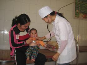 Trạm Y tế xã Thung Nai (Cao Phong) thực hiện tốt công tác CSSK bà mẹ, trẻ em