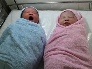 Hai công dân đầu tiên của TP.HCM trong năm Tân Mão (tính theo âm lịch) đã ra đời ngay đúng thời khắc giao thừa.