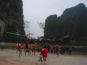 Bóng chuyền là môn thể thao thế mạnh của huyện Cao Phong