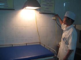 Nhờ làm tốt công tác xã hội hóa y tế, cơ sở vật chất của trạm y tế xã Nam Sơn được đảm bảo góp phần nâng cao chất lượng CSSK nhân dân.
