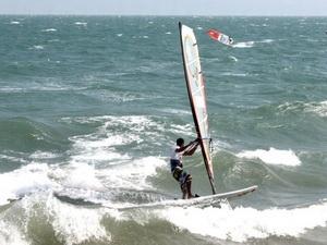 Ngày thi đấu đầu tiên Giải Lướt ván buồm Cúp thế giới PWA-Mũi Né.