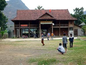 NVH xóm Chiềng Châu (xã Chiềng Châu- Mai Châu) đi vào hoạt động đã khẳng định được vai trò, vị trí của thiết chế văn hóa quan trọng trong sinh hoạt cộng đồng, dân cư.