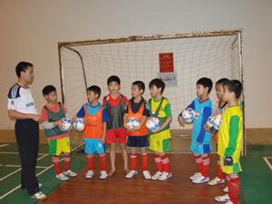 Đội tuyển bóng đá tiểu học đang có sự chuẩn bị về nhiều mặt, sẵn sàng cho cuộc thi tài tại Phú Thọ.