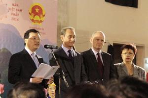 Đại sứ Dương Chí Dũng phát biểu tại buổi lễ đón Tết