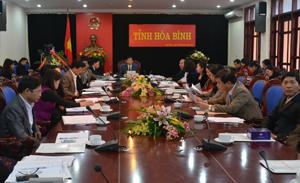 Đồng chí Bùi văn Cửu, Phó Chủ tịch TT UBND tỉnh chủ trì tại điểm cầu tỉnh ta.
