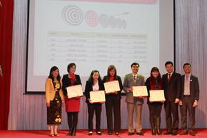 12 lượt cá nhân được khen thưởng, vinh danh tại hội nghị.