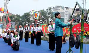 Cồng chiêng đất Mường Hòa Bình âm vang nơi Thủ đô.