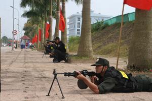 Lực lượng cảnh sát cơ động tham gia diễn tập phòng thủ tại huyện Lương Sơn.
