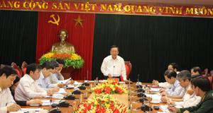 Đồng chí Bùi Văn Tỉnh, UVT.Ư Đảng, Bí thư Tỉnh ủy, Chủ tịch HĐND tỉnh phát biểu kết luận hội nghị.
