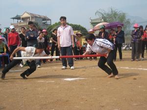 Các môn thể thao dân tộc luôn thu hút đông đảo người dân tại hội xuân