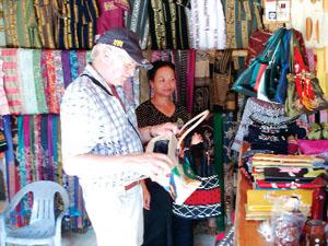 Chính từ việc quan tâm giữ gìn và phát huy bản sắc văn hóa đặc sắc của dân tộc.  Mai Châu đã trở thành điểm đến hấp dẫn của du kách trong và ngoài nước.