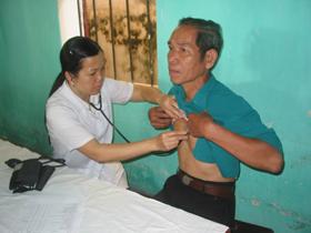 Chất lượng khám, chữa bệnh của nhân dân ở thành phố Hòa Bình từng bước được nâng cao.