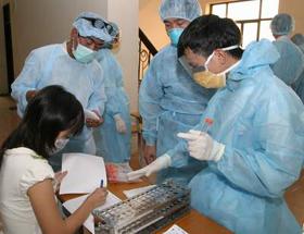 Người có hội chứng cúm cần đến cơ sở y tế để được kiểm tra, theo dõi sức khỏe.