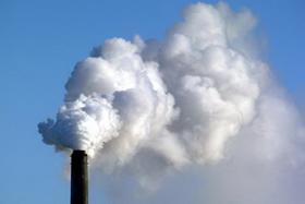 Việc cắt giảm khí thải sẽ giúp hạn chế phần nào tác động của biến đổi khí hậu