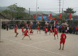 Các giải thể thao ở Lạc Thủy luôn được sự cổ vũ, ủng hộ của đông đảo người hâm mộ.