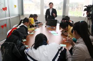 """Nhóm hoạt động """" Chúng tôi là chủ gia đình trẻ"""": giúp các bạn trẻ tiếp cận với chế độ dinh dưỡng trong gia đình, mẹo vặt trong cuộc sống…"""