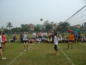 Giải bóng chuyền nữ truyền thống huyện Lương Sơn năm 2011 thu hút được 100% xã, thị trấn tham gia.