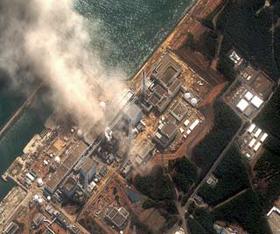Ảnh vệ tinh chụp nhà máy hạt nhân Fukushima bị hư hại