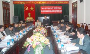 Đồng chí Nguyễn Văn Quynh, UVTW đảng, Phó Trưởng Ban Tổ chức TW, uỷ viên HĐBCTW phát biểu kết luận công tác giám sát, kiểm tra Bầu cử tại tỉnh ta.