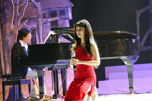 Tiết mục biểu diễn của ca sĩ Hồng Nhung trong chương trình