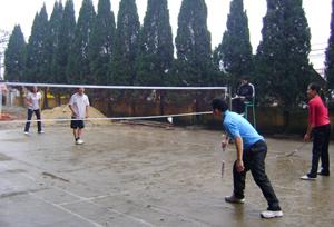Các VĐV thi đấu tại nội dung cầu lông đôi nam nữ phối hợp.