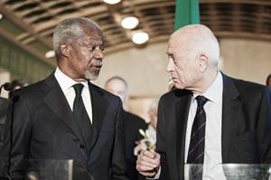 Cựu Tổng Thư ký Liên hợp quốc Kofi Annan (trái) và Tổng thư ký Liên đoàn Arập Nabil Elaraby