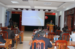 Đồng chí Nguyễn văn Dũng, Phó Chủ tịch UBND tỉnh phát biểu chỉ đạo tại hội nghị.