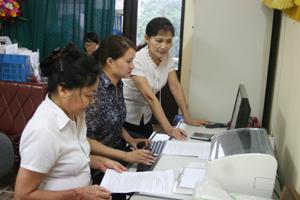 """Nữ CNVC- LĐ Hội LHPN thành phố luôn gương mẫu thực hiện xây dựng gia đình """"no ấm, bình đẳng, tiến bộ, hạnh phúc""""."""