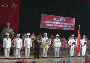 Công an huyện Cao Phong kỷ niệm 10 năm ngày thành lập và đón nhận Huân chương chiến công hạng nhì  69832_IMGA0937