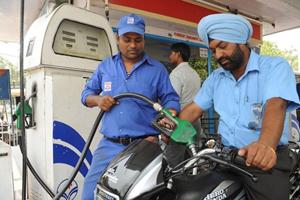 Dầu Iran đáp ứng đáng kể nhu cầu năng lượng và nhiên liệu của Ấn Độ.