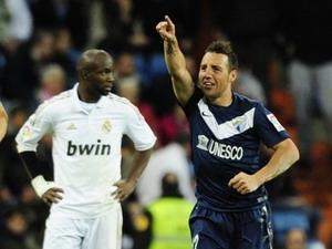 Santi Cazorla đã chấm dứt chuỗi 11 trận thắng của Real Madrid.