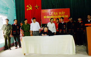 Các ban ngành, đoàn thể xã Thống Nhất (Hòa Bình) ký kết thực hiện tốt mô hình bản đồng bào Dao văn hóa - an ninh.