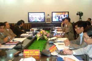 Toàn cảnh hội nghị trực tuyến của Chính phủ về công tác lấy ý kiến tham gia Dự thảo sửa đổi Hiến pháp năm 1992 tại điểm cầu Hòa Bình.