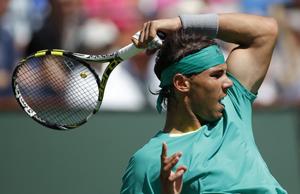 Nadal cũng thể hiện bản lĩnh của một cựu vô địch khi gỡ hòa rồi thắng chung cuộc.