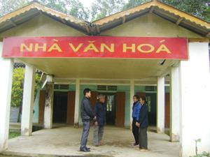 Nhà văn hóa được xây dựng khang trang tạo thuận lợi cho xóm Bin tổ chức các hoạt động cộng đồng.