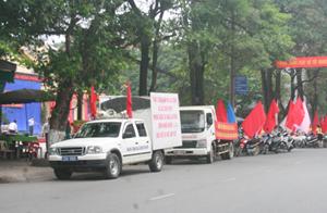 Diễu hành hưởng ứng Tuần lễ quốc gia về ATVSLĐ – PCCN tại thành phố Hòa Bình.