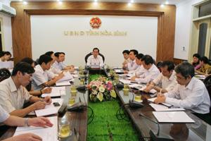 Đồng chí Nguyễn Văn Quang, Phó Bí thư TT Tỉnh ủy, Chủ tịch HĐND tỉnh chủ trì hội nghị tại điểm cầu tỉnh ta.