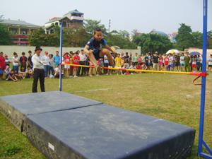 VĐV thành phố Hoà Bình tham gia giải điền kinh phổ thông tỉnh năm 2013.