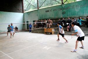 Cầu lông là môn thể thao thế mạnh của TD-TT huyện Đà Bắc. Trong ảnh: Giải cầu lông- bóng bàn lãnh đạo huyện Đà Bắc năm 2013.